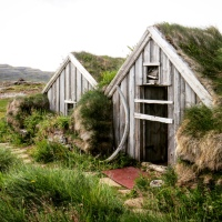 Roghi di stregoni nei remoti fiordi islandesi: il caso di Trékyllisvík